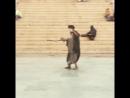 Варнаси Агхори Баба танцует