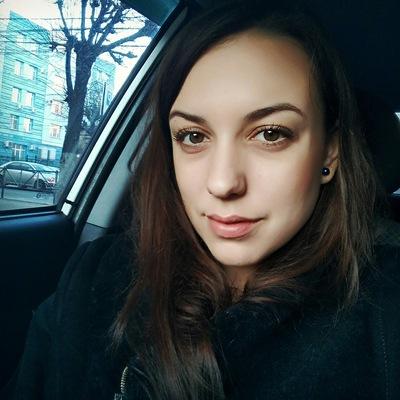 Лена Золотарева
