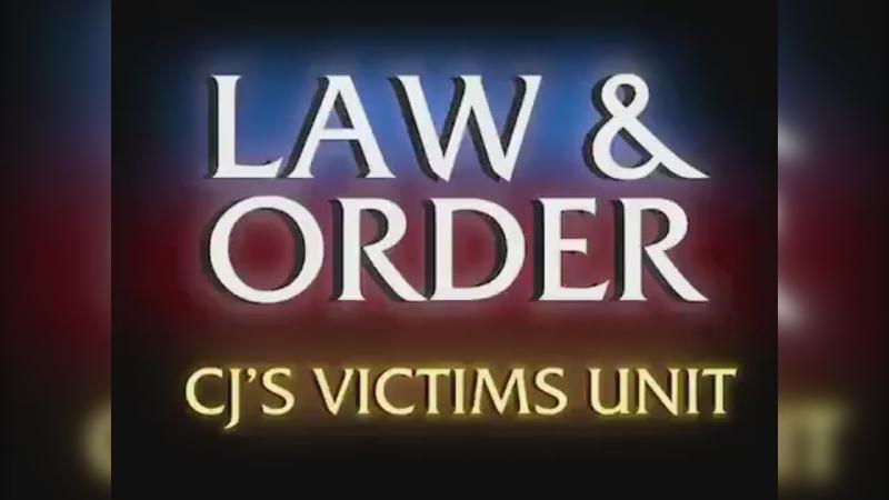Си Джей Макколлум посмеялся над Уэсли Мэттьюзом в пародии на «Закон и порядок»