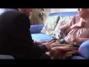Алексеева целует руку Путина