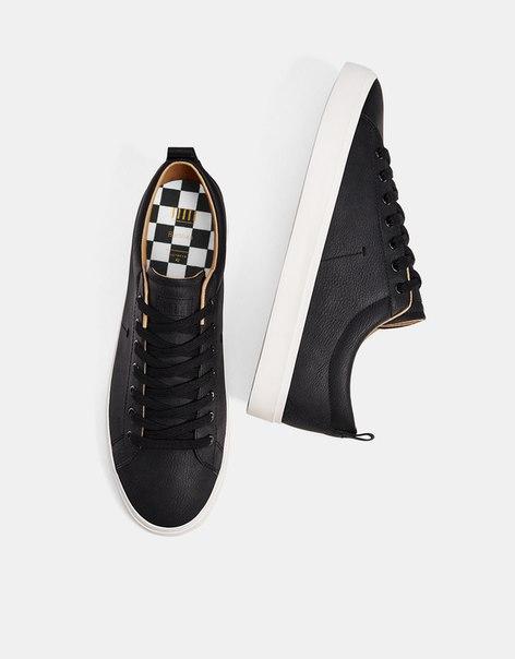 Черные мужские кеды со шнуровкой