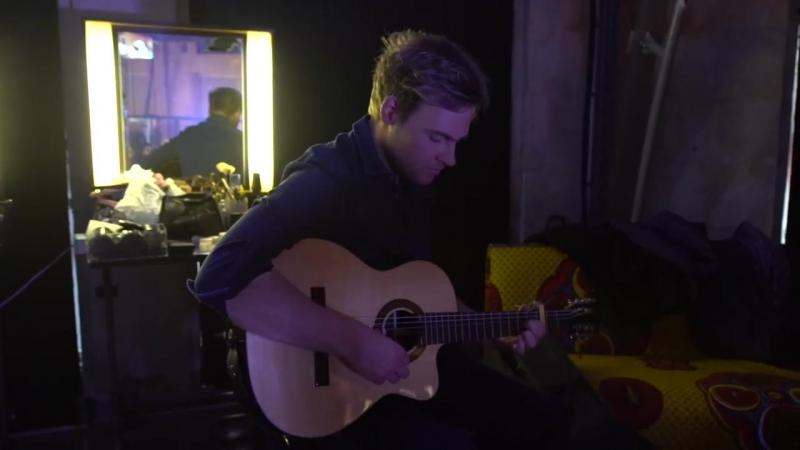 Шарли перед съемками передачи Le Nouv'O Live