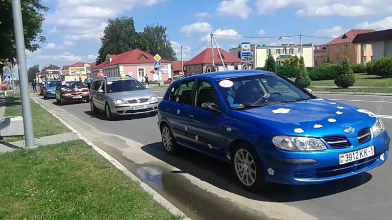 Автоледи в Янове-Полеском в день молодёжи