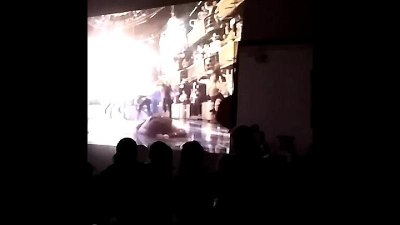 сегодня была школа хореографа только мы не писали лекции как обычно, а смотрели фильм