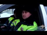 В Новосибирской области инспекторы ГИБДД спасли из горящего дома семью с тремя несовершеннолетними детьми