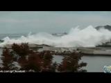 Топ / 7 самых высоких цунами снятых на камеру / ломает и сносит всё на своём пути дома, машины, людей| видео глазами очевидцев.