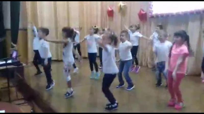 Танец 1Б класса на конкурсе Алло мы ищем таланты
