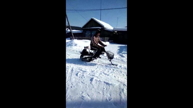 Снегоход из бензопилы - версия с гусеницей от нашего зрителя👍