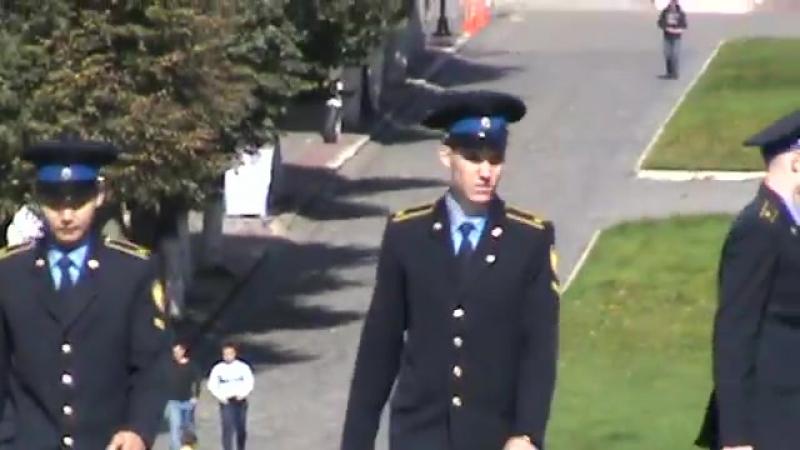 Военные курсанты в городе