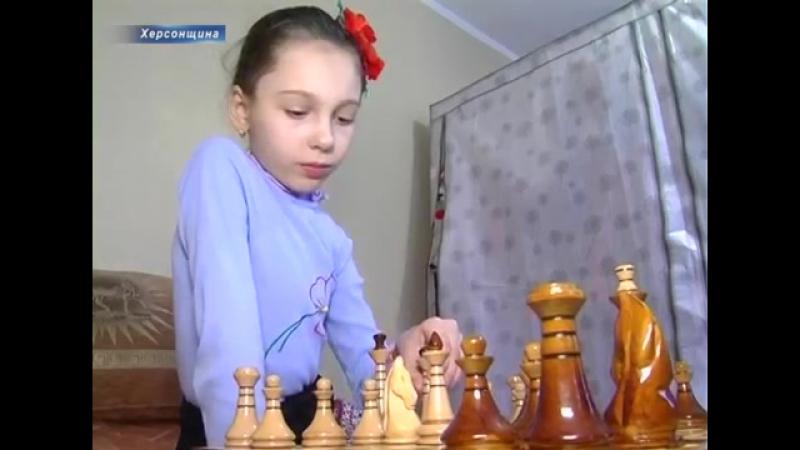 Семирічна Ангеліна блискуче обігрує в шахи однолітків та дорослих