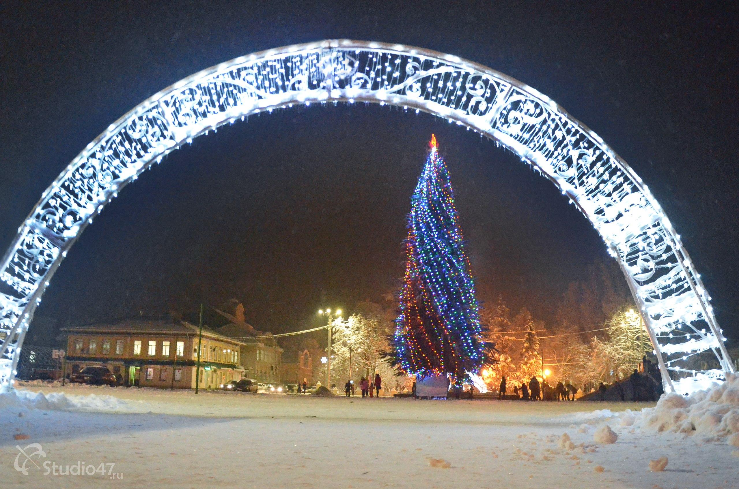 Городская ёлка на площади Ленина в Борисоглебске