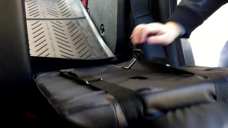 Автомобильное бескаркасное детское кресло
