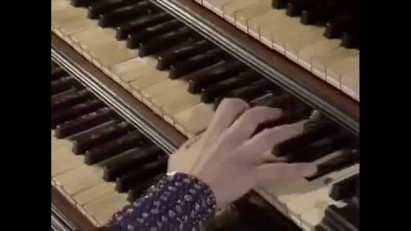 J.S.Bach - Fugue in E Flat Major BWV 552 (by Gillian Weir)