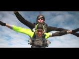 Первый прыжок с парашютом в тандеме Ульяны и Павла