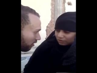مصرى يقفش فيها على الكافتريا وياخدها الشقه يظبطها