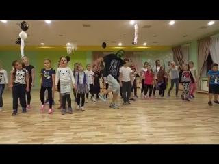 👹💀🕷Halloween в Dream Dance. Шуточный зомби - танец от группы StreetDanceMix🕸 👻👻 #зомбитанец #хелоуин #танцыодинцово #зомби #танц