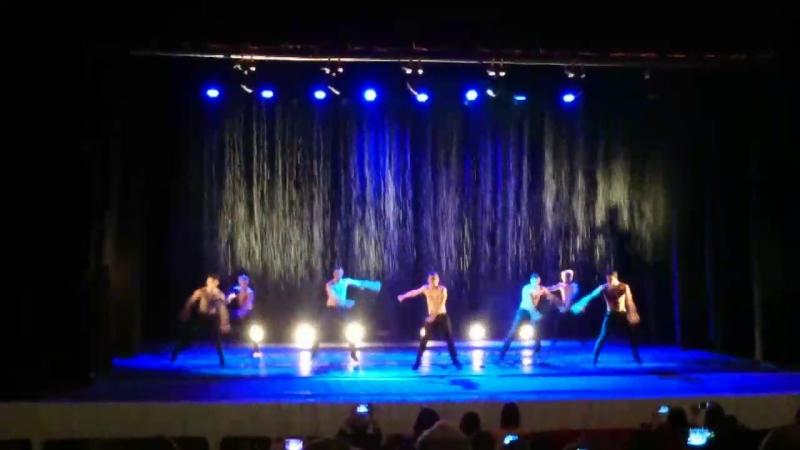 Шоу под дождём театра танца Искушение
