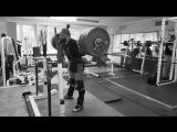 Алексей Никулин приседает 272.5 кг на 2 раза в наколенных бинтах