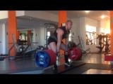 Владислав Кривоконев тянет 350 кг на 4 раза в кистевых лямках