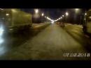 Бесстрашный пешеход на Ленинграде плюет на авто и не знает что такое тормозной путь фуры