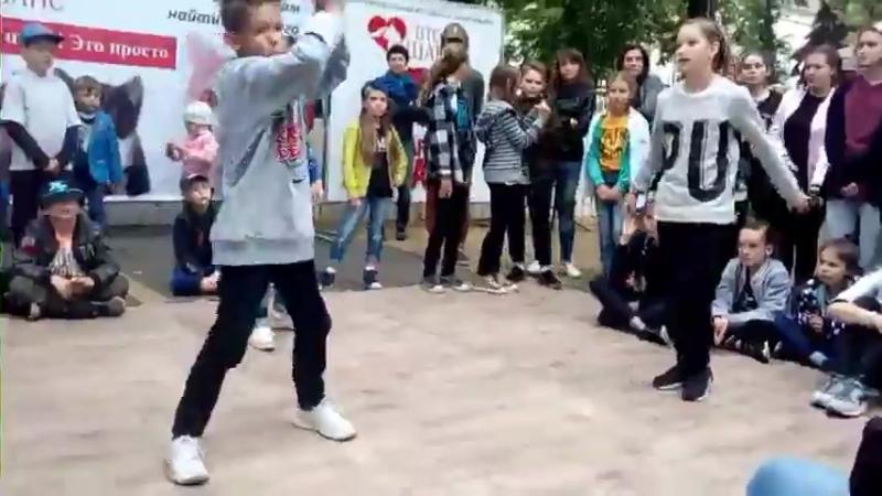 Иван Булохов vs Оливия vs Щербакова Валерия | SEMIFINAL HIP HOP KIDS BATTLE | HAPPY CAT FESTIVAL 2017