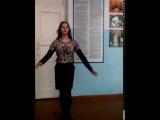 Цыганочка танцует в школе