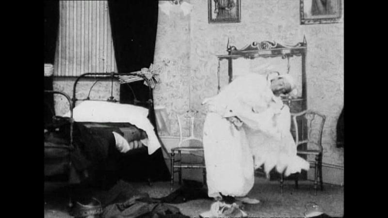 38 Undressing extraordinary (Robert W.Paul, 1901)