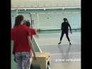 Тренировка нападающего удара у девушек