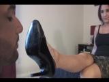 Поклонение Госпоже вылизывание каблуков и ног фемдом