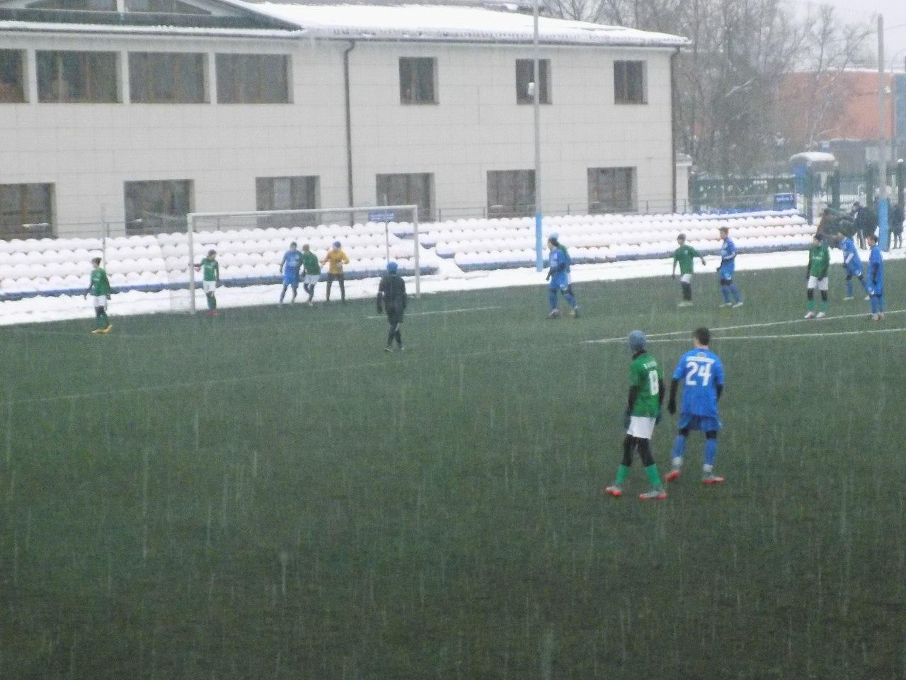 Команды СШ «Витязь» в Зимнем Первенстве Москвы в третьем туре первого этапа в пяти проведённых среди зачётных игр набрали пятнадцать очков
