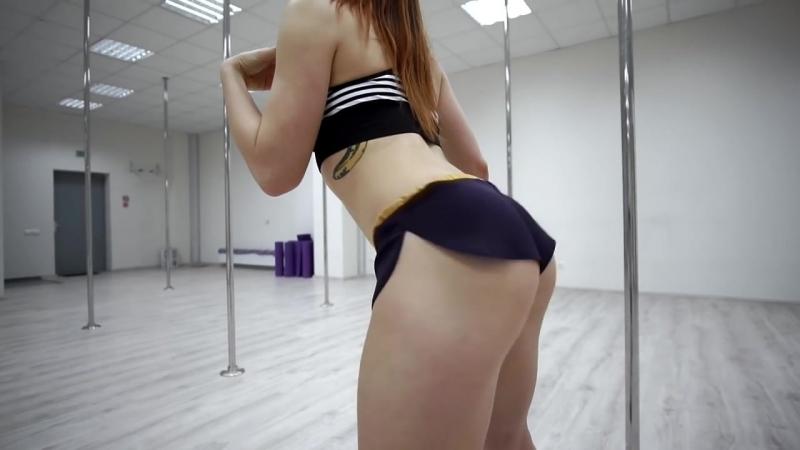 Школа TWERK (Booty Dance). Урок 02. Базовая тряска на прямых ногах. База тверка