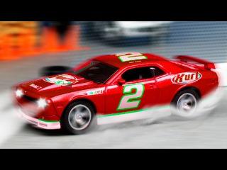 Araba Yarış Pistinde Yarışıyor - Yarış Arabası ve Dostlar - Çizgi Film - Akıllı Arabalar