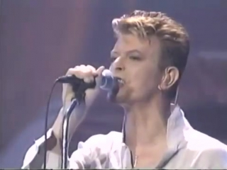 DAVID BOWIE - THE VOYEUR OF UTTER DESTRUCTION (AS BEAUTY) -  LIVE NY 1997