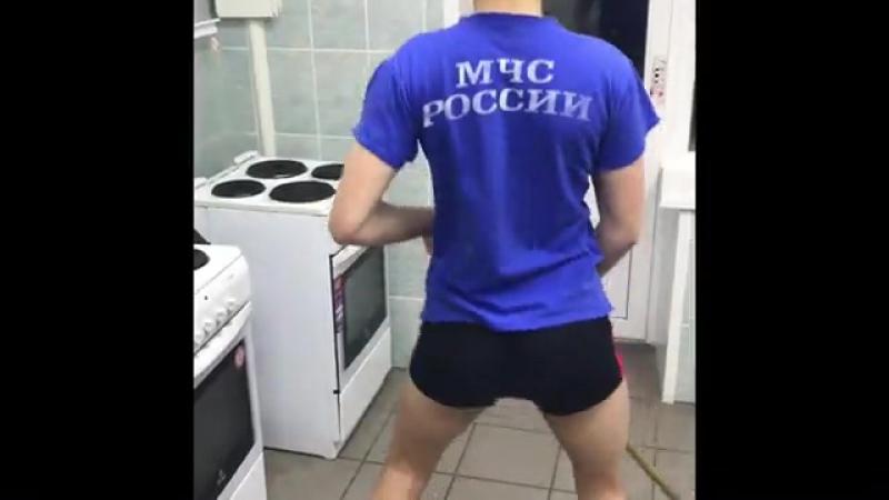 СТУДЕНТЫ МЧС - SATISFACTION [Рофлы и Панчи]