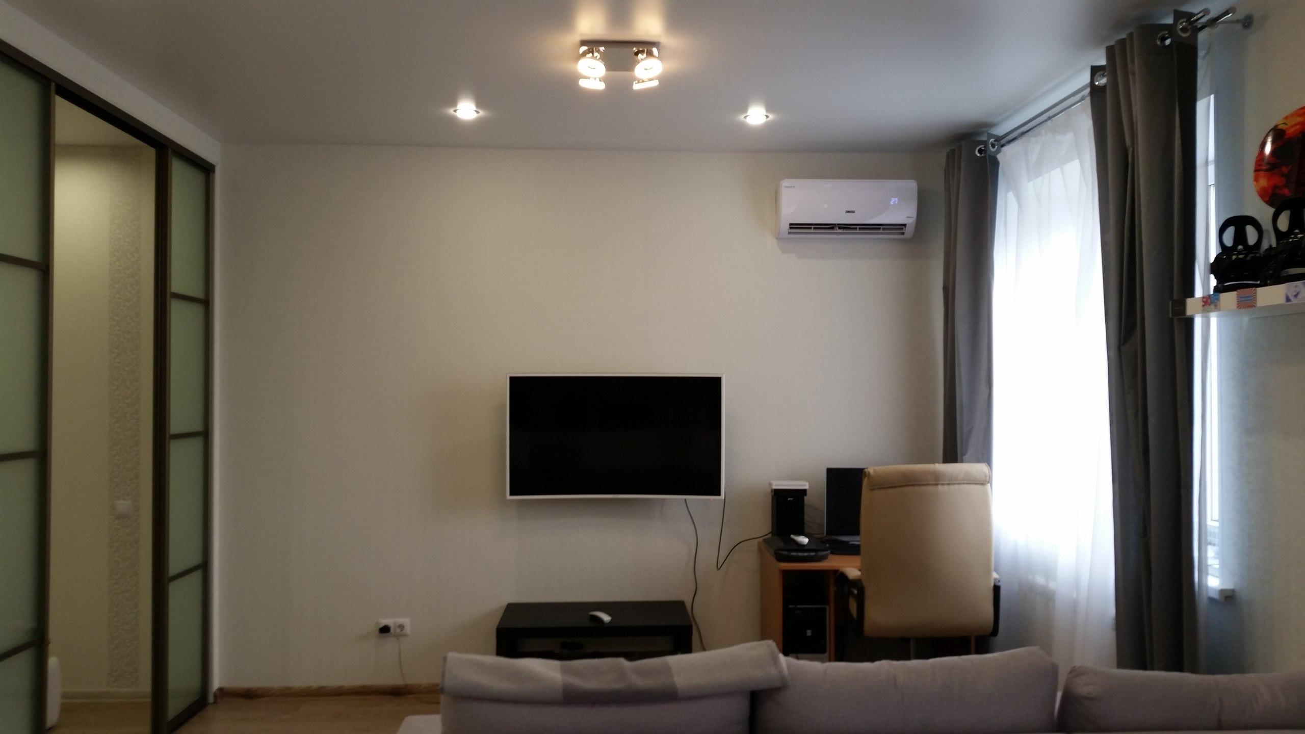 Квартира-студия мужчины, 43 кв.