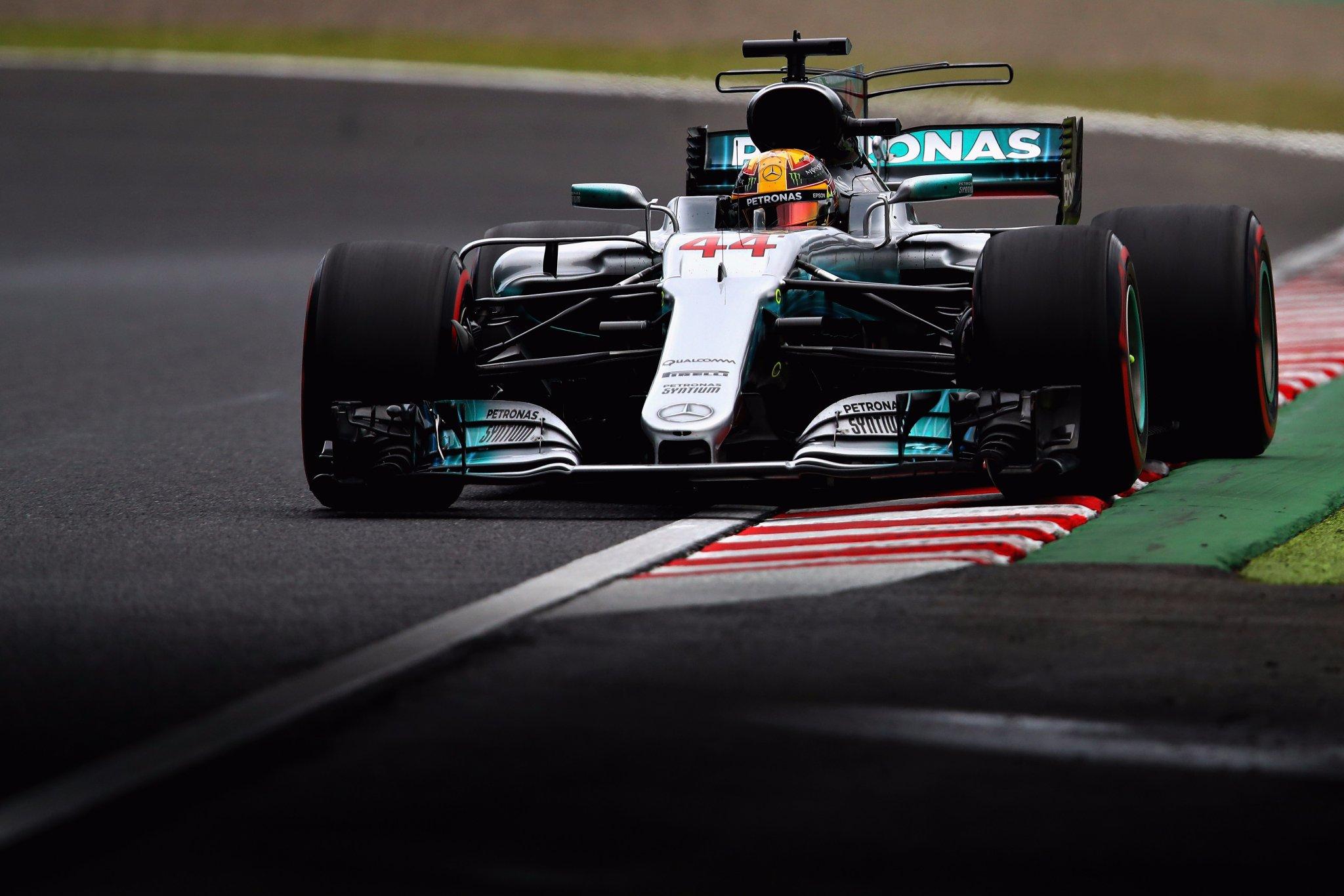 Льюис Хэмилтон в Японии приносит очередную победу команде Mercedes