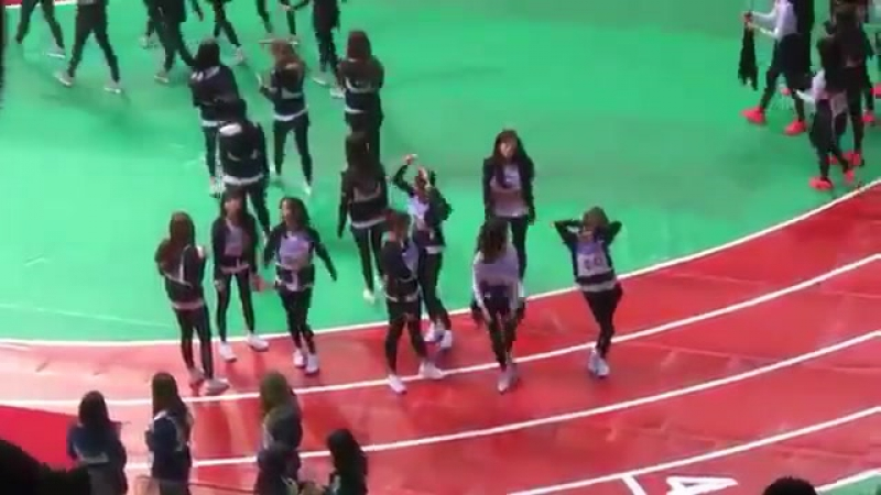 Fancam 180115 ISAC Luda and Dayoung spoiling for next comeback @ Cosmic Girls