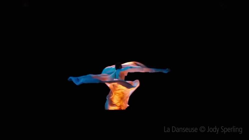 Танцовщица / La danseuse (2016) - Loie Fuller first dance