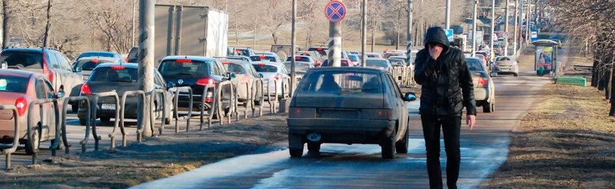 За проезд по тротуару хотят штрафовать на 50 000 рублей