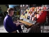 Парень собрал электронный «орган» из синтезатора и 44 игрушек Ферби