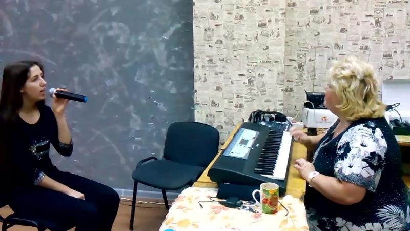 Под музыку Вивальди (реп. 5) ст. - Величанский А., муз - Берковский В. и Никитин С., исп. - Юлия Анатольевна и Аня
