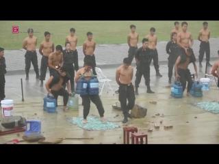 Vietnamese Police show off Marital Arts. Группа: https://vk.com/club7619437