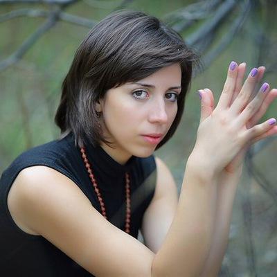 Елена Доютова