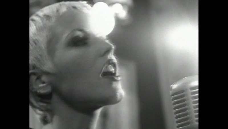 The Cranberries - 1994 - Ode To My Family
