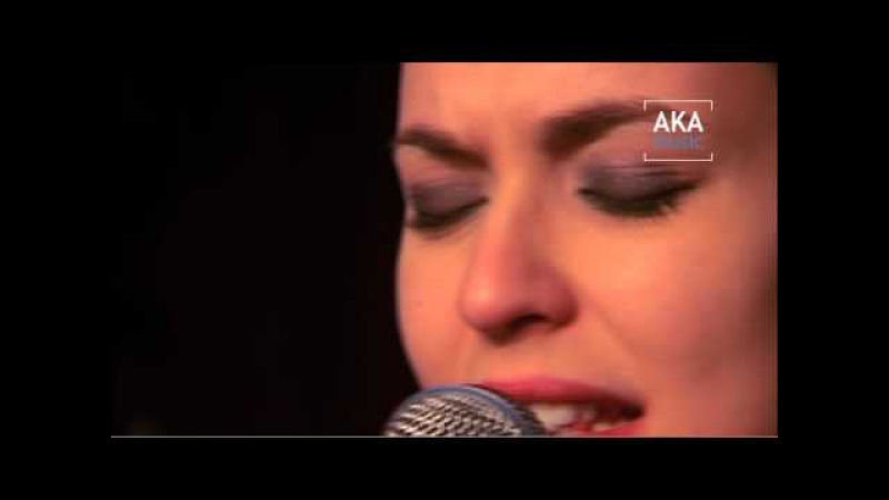 Lucie Bernardoni Juste Mon Homme live Concert 2011