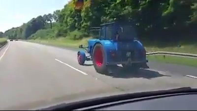 трактор жмёт больше сотни