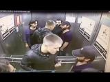 Старинная русская забава - кулачный бой в лифте. Драка в лифте 1 vs 3