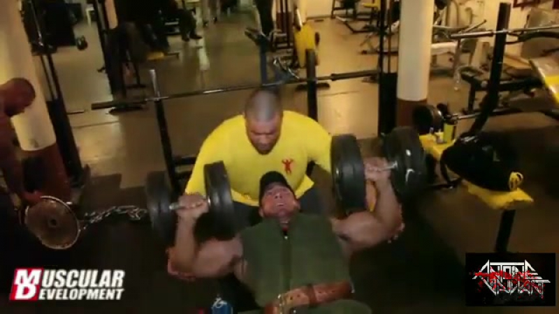 Antoine Vaillant / Антуан Вейлент -Chest Training 7 Weeks Out from NY Pro 2013