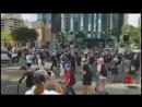 Подписчики австралийского видеоблогера Джека Даута перекрыли одну из магистралей города