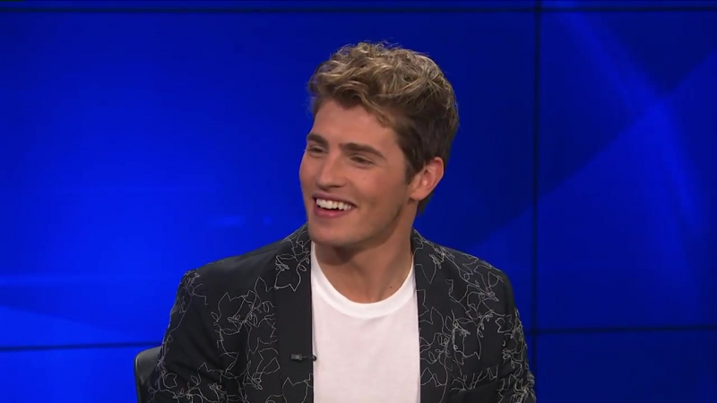 Gregg Sulkin Praises TV Dad James Marsters in Marvels Runaways""
